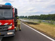 Brand in de berm op de snelweg A58 bij afrit Rilland