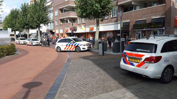 Politiewagens ter plaatse bij de winkeloverval