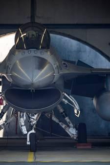 Volkel laat F16's meevliegen in parade voor Donald Trump in België