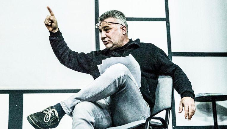 Repetitie voor `Milosevic, de Musical', met hoofdrolspeler Dejan Cicmilovic als Slobodan. Beeld Aurélie Geurts