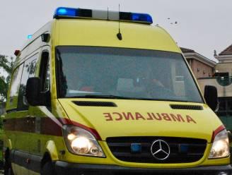 Fietser (38) lichtgewond bij ongeval