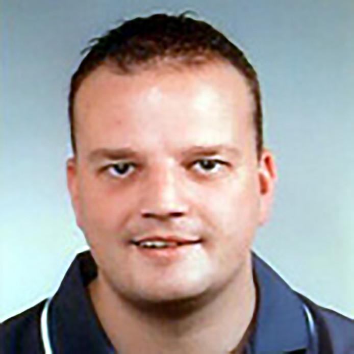 Feyenoordsupporter Udo van Aken werd op 23 november 2003 in de Rosestraat in Rotterdam doodgestoken.