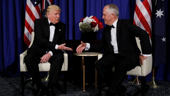Trump en Turnbull schudden elkaar de hand in New York.