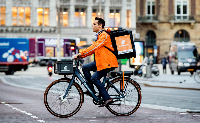 Takeaway.com, moederbedrijf van Thuisbezorgd.nl, laat zich niet uit het veld slaan.