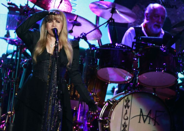 Stevie Nicks en Mick Fleetwood tijdens een optreden in Amsterdam.