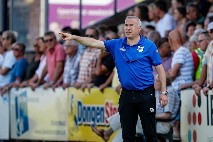Coach Osman Erbas van Dongen