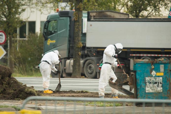 Gisterochtend was het asbestonderzoek nog in volle gang na de grote brand die zondagavond uitbrak op industrieterrein de Liesbosch in Nieuwegein.