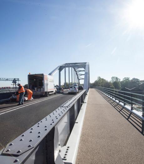 Extra verkeersregelaars om drukte te voorkomen bij IJsselbrug