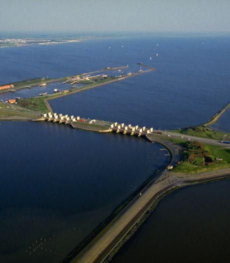 Na jarenlange lobby uit Oost-Nederland is financiering rond: sluizen in Afsluitdijk worden verbreed