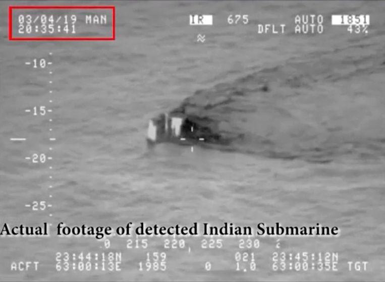 De Indiase onderzeeër zou Pakistaanse territoriale wateren genaderd hebben.