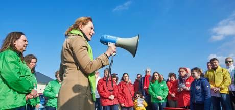 Tranen vloeien bij mislukte lijmpoging GroenLinks: Ossenaren dreigen partij te verlaten om mestfabriek