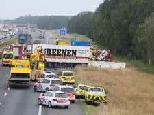Snelweg A1 tot vanmiddag dicht na groot verkeersongeluk