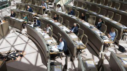 Vlaams Parlement kiest voor ad hoc commissie om coronabeleid door te lichten, niet voor onderzoekscommissie