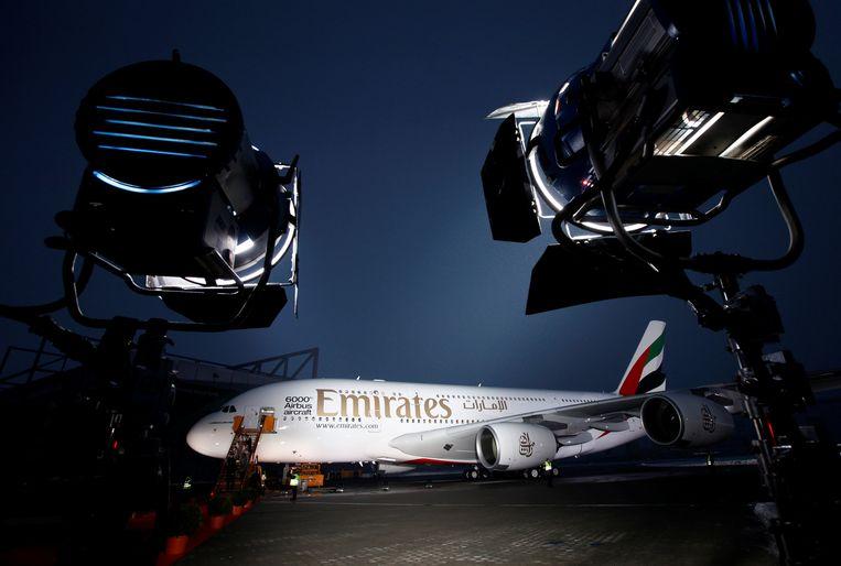 Een gloednieuwe Airbus A380 wordt verlicht bij de overdracht aan Emirates. Archieffoto.