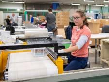 Door nieuwe afspraken in Ommen kan Nicolien (19) op haar vertrouwde werkplek blijven: 'Ik kan hier mezelf zijn'