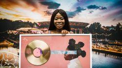 Coely neemt gouden plaat in ontvangst op Tomorrowland