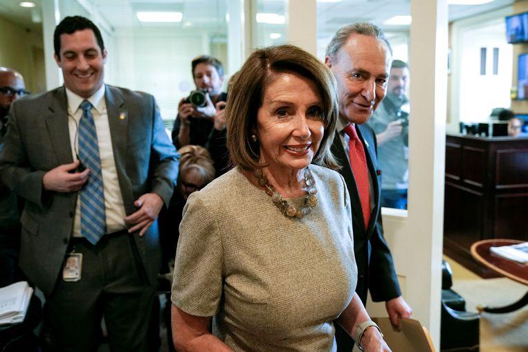 Speaker of the House Nancy Pelosi en Minderheidsleider in de Senaat Chuck Schumer nadat Trump het einde van de shutdown aankondigde.