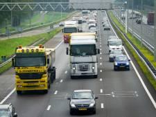 Tientallen inhalende truckers op de bon op A1