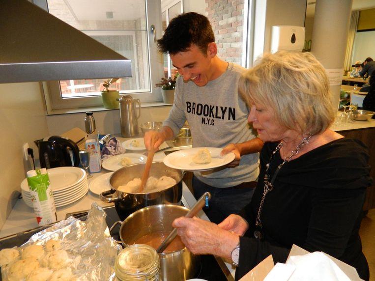 Televisiekok Loïc Van Impe en actrice Chris Lomme roerden samen in de potten.
