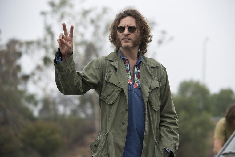 Joaquin Phoenix als Larry