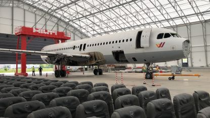 Snijd eens een vliegtuig doormidden: luchthaven Oostende neemt grootste zaag ter wereld in gebruik