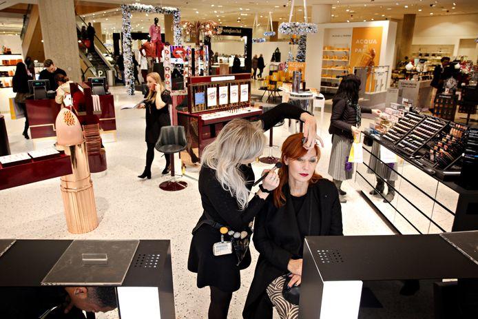 De Bijenkorf heeft een vernieuwde en hiermee de grootste cosmetica afdeling van ons land.