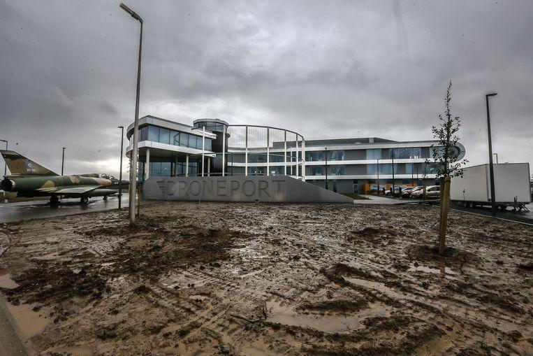 Eerste familiedag lokt 1600 mensen naar Drone Port, het mekka van de drone-industrie in Limburg.