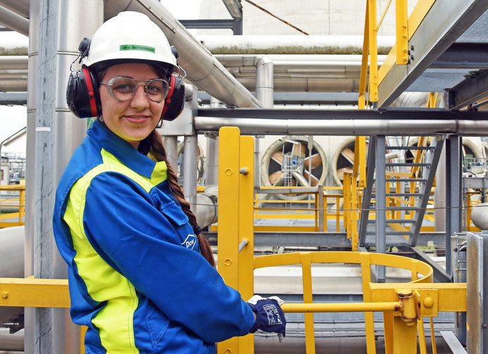 Om jongeren te interesseren voor een toekomst in de industrie houdt Dow Terneuzen elk jaar een Girlsday bij Dow. Vorig jaar nam Sara Vernimmen een kijkje op op de Utility-plant.