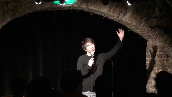 Dankzij allerlei misverstanden in z'n leven door zijn autisme heeft Fabian intussen een comedyshow van anderhalf uur.