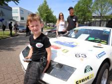 Zoontje van Kimberley had 'dag van zijn leven' bij autoshow voor Diabetesfonds