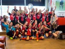 Dames onder 15 van combiteam DVSG en De Treffers zijn kampioen