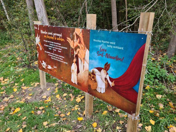Onder meer op het domein Steenberg in Erpe-Mere kan je grote borden vinden die het verhaal van Sint-Martinus Van Tours vertellen.
