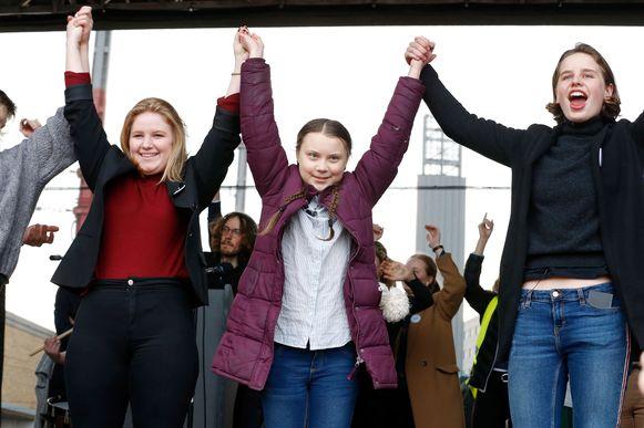 Klimaatactivisten Kyra Gantois, Greta Thunberg en Anuna De Wever in februari in Brussel.