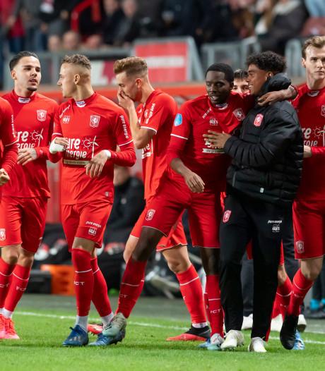 Wat een stunt! FC Twente sluit bewogen week af met daverende zege op AZ