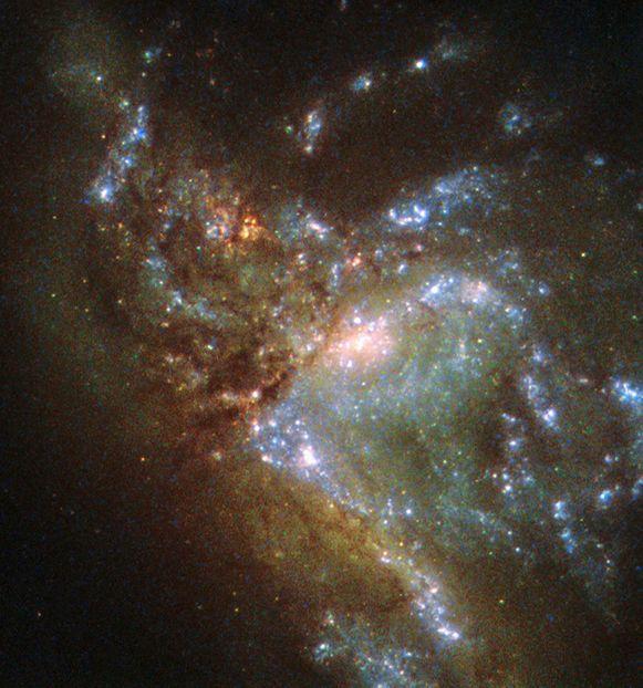 De botsende stelsels werden eerder met Hubbles Wide Field-camera 2 gefotografeerd. De nieuwe beelden zijn gemaakt met diens opvolger, nummer 3.