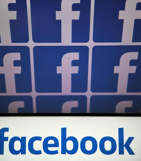 """Facebook abandonne son slogan """"C'est gratuit et ça le restera toujours"""""""