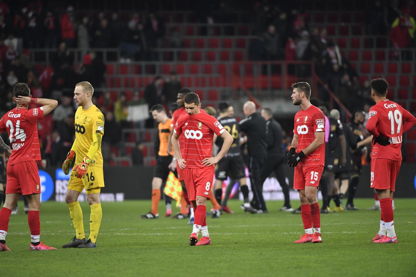Teleurstelling bij Standard-spelers na het duel met Sint-Truiden.
