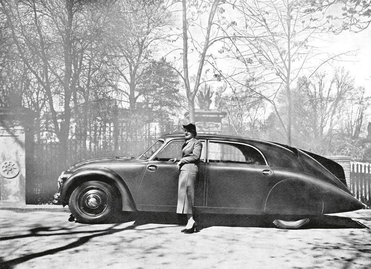 Franse reclamefoto voor de Tatra 77 (1934). Beeld null