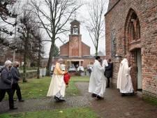 Laatste eucharistieviering in de Georgiuskerk, voortaan viert katholiek Heumen bij de protestanten