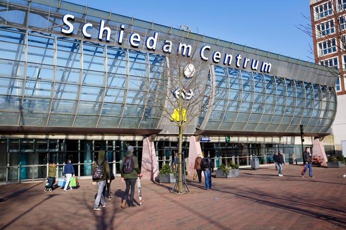 Schiedam - drukte op het station