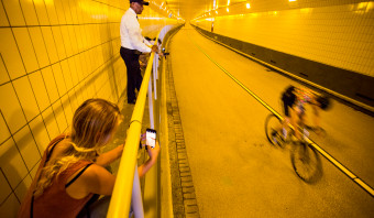 Rotterdammers kunnen voortaan veiliger door de Maastunnel spurten
