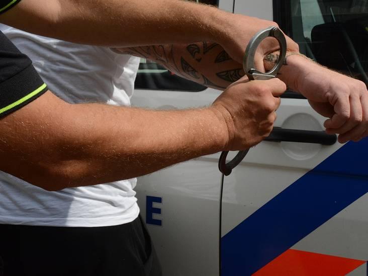 Werk- en leerstraf voor agressieve jongen die in Rijsbergen agentes verwondde