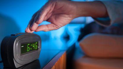 Wie graag op de snooze-knop drukt is intelligenter, creatiever én gelukkiger