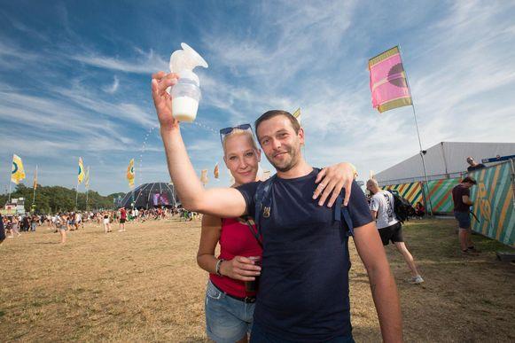 Danny Conings en partner Sieglinde Zülkhe zijn enorm tevreden over het kolfstandje op Pukkelpop.