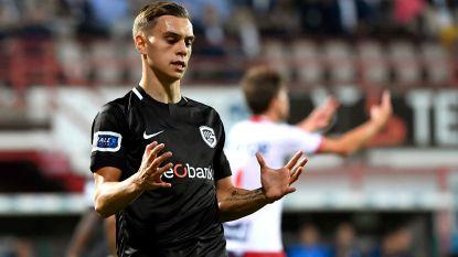 Belgische clubs zien 111 internationals vertrekken. Genk hofleverancier