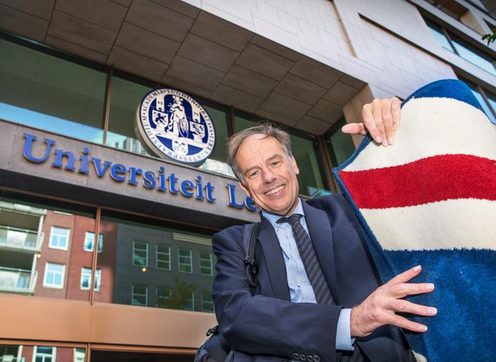 Rector-magnificus Carel Stolker van de Universiteit Leiden: ,,Er is nu al een zekere leegloop van talent naar Europa.''