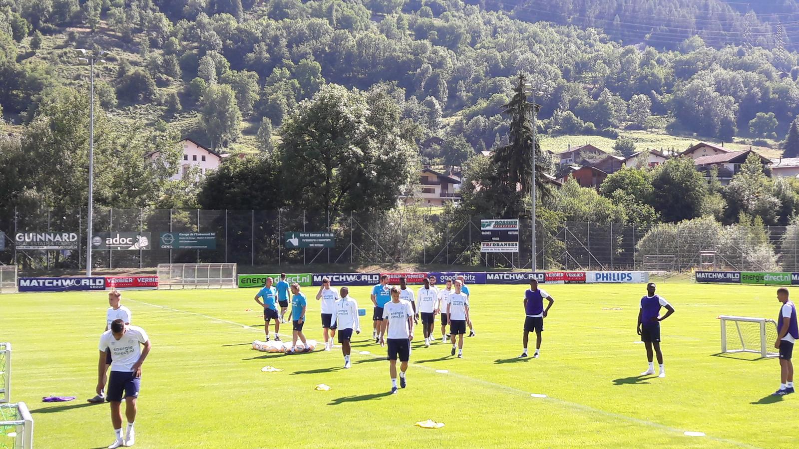 PSV trainde dinsdag voor het eerst in Verbier, Zwitserland.