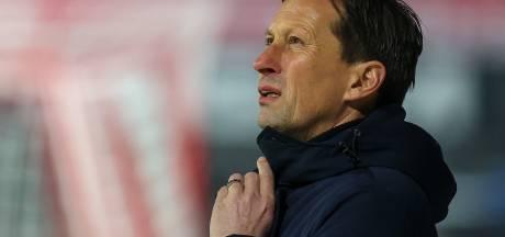 PSV-trainer Schmidt voor één duel geschorst na tirade richting Nijhuis