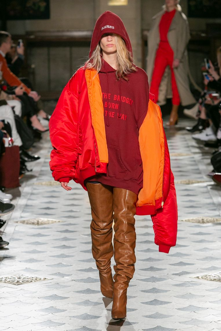 De wintercollectie van 2016 van kledingmerk Vetements. Beeld Gio Staiano