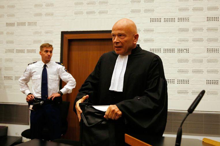 Peter Plasman, advocaat van Maher H., komt aan in de rechtbank Beeld anp